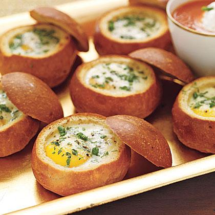 Roll Ekmek Çanağında Yumurta